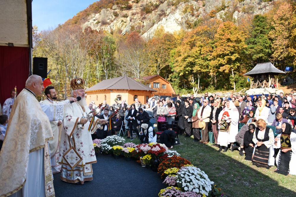 """Sfinții Mărturisitori Ardeleni, cinstiți la Mănăstirea """"Petru Rareș Vodă"""" din Ciceu-Corabia"""