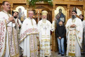 """Hramul Parohiei """"Sf. Ap. Toma"""" din cartierul clujean Mărăști, sărbătorit în prezența Mitropolitului Andrei"""