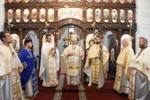 """Prima Sfântă Liturghie oficiată în noua Biserică a Parohiei """"Sfântul Vasile cel Mare"""" din Cluj-Napoca"""