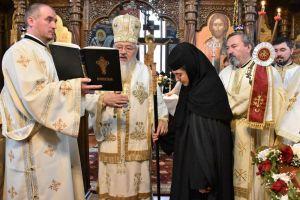 Sfântul Ierarh Spiridon, hramul Mănăstirii Strâmba | Mitropolitul Andrei a instalat noua stareță