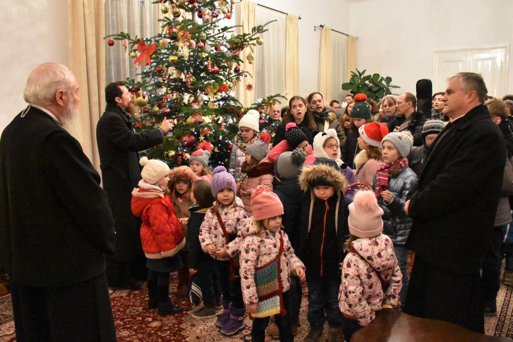 Colindători la Reședința Mitropolitană din Cluj-Napoca, în Ajunul Crăciunului