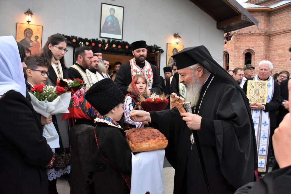 """Binecuvântarea Paraclisului Parohiei """"Sfânta Cuvioasă Parascheva"""" – Beclean III"""