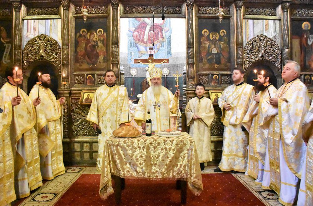 Praznicul Întâmpinării Domnului, la Catedrala Mitropolitană | Parastas pentru Episcopul Nicolae Ivan și Mitropolitul Bartolomeu Anania