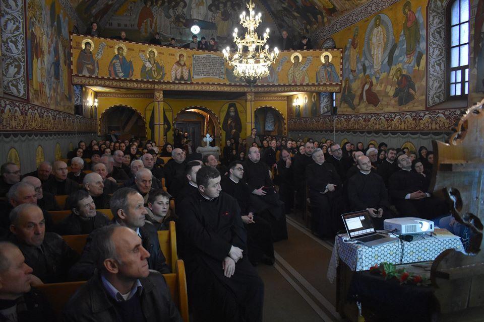 """Proiectul misionar-catehetic """"Pași spre cunoașterea credinței"""", în opt parohii din Arhiepiscopia Clujului"""