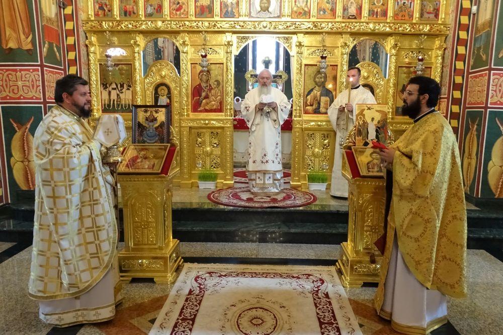 """Mitropolitul Andrei, la Mănăstirea Salva: """"Nu poate fi o suferință mai mare decât a-ți pierde credința!"""""""