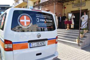 """Ambulanță pentru Centrul de Îngrijiri Paliative """"Sfântul Nectarie"""" din Cluj-Napoca"""