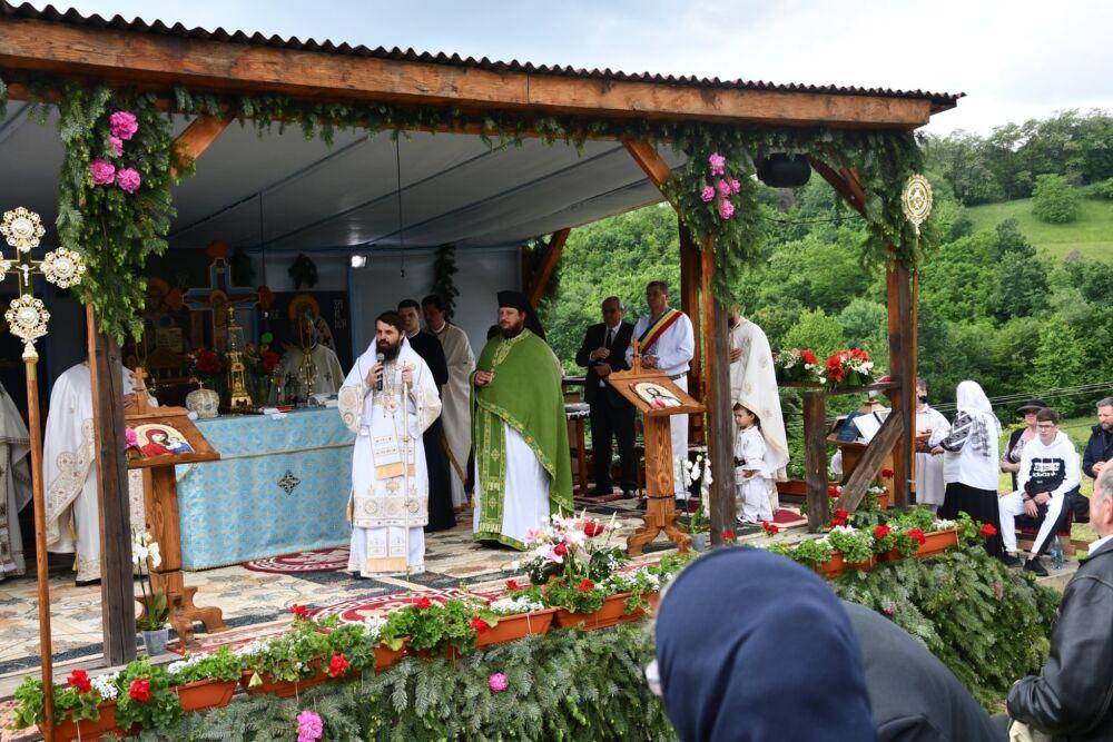 Duminica Tuturor Sfinților, hramul de vară al Mănăstirii bistrițene Strâmba