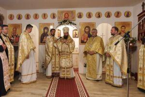 """Hramul Parohiei clujene """"Sfântul Iustin Martirul și Filosoful"""", sărbătorit în prezența Episcopului-vicar Benedict Bistrițeanul"""