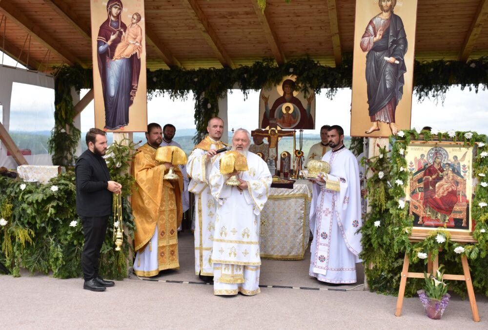 Hramul de vară al Mănăstirii Someșul Cald, sărbătorit în prezența Mitropolitului Andrei