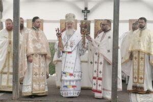 Sf. M. Mc. Pantelimon, ocrotitorul Mănăstirii Dâncu, sărbătorit în prezența Înaltpreasfințitului Andrei