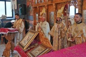 PS Benedict Bistrițeanul a slujit în satul natal al bunicilor, Ponorel, județul Alba