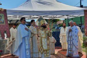 """Episcopul Benedict, la Cristeștii Ciceului: """"Dumnezeul nostru este un Dumnezeu care are milă de oameni"""""""