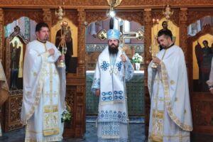 """Duminica a 9-a după Rusalii, sărbătorită în Parohia clujeană """"Nașterea Domnului"""", în prezența Preasfințitului Benedict Bistrițeanul"""