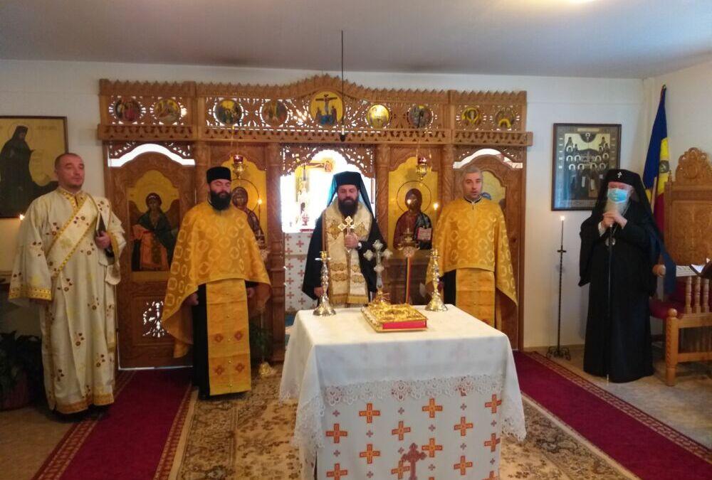 Conferință preoțească de toamnă și lansare de carte în Protopopiatul Huedin   Istoricul Mircea Gheorghe Abrudan a primit Crucea Transilvană