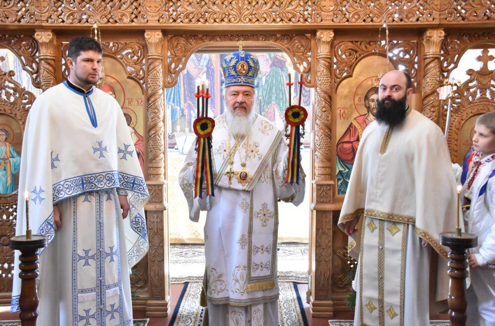 Liturghie arhierească la Păniceni, în Duminica Întoarcerii Fiului risipitor