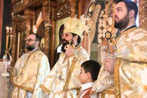"""Episcopul-vicar Benedict Bistrițeanul, prezent în Parohia """"Adormirea Maicii Domnului"""" din cartierul clujean Mănăștur"""