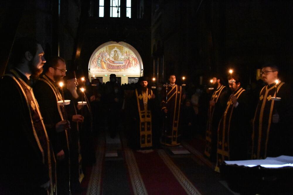Preasfințitul Benedict Bistrițeanul a citit a doua parte a Canonului cel Mare la Catedrala Mitropolitană