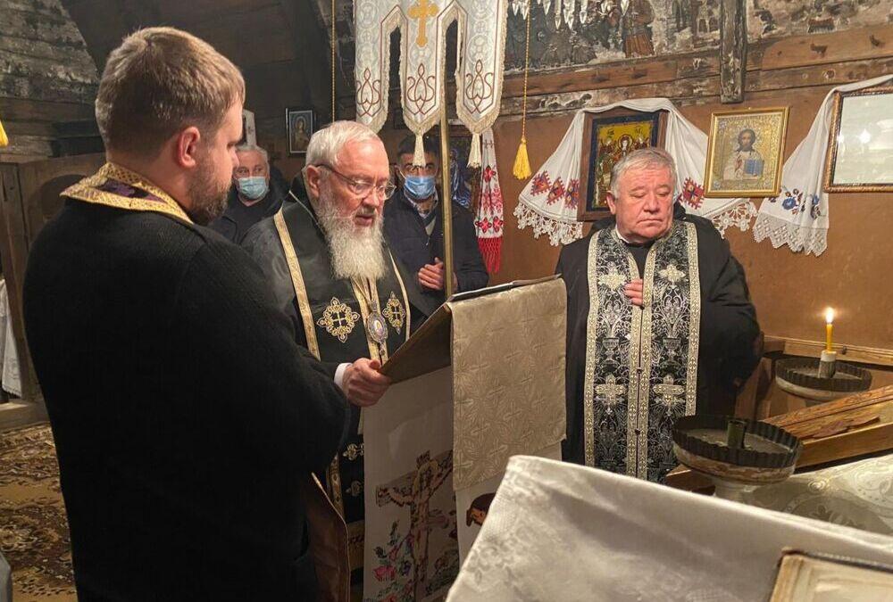 Mitropolitul Andrei a citit prima parte a Canonului cel Mare la biserica monument istoric din Straja