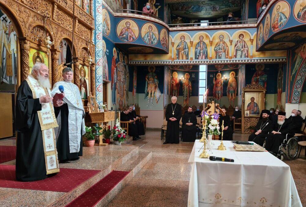 Pr. vicar Iustin Tira, sărbătorit la aniversarea a 70 de ani de viață