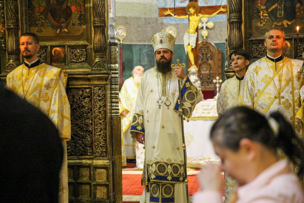 Prezență arhierească la Catedrala Mitropolitană din Cluj   Duminica a 7-a după Paști