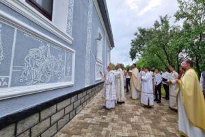 Biserica din Negreni, resfințită de Înaltpreasfințitul Părinte Andrei