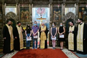Elevii de 10 la Bacalaureat, din județul Cluj, premiați de Mitropolitul Andrei