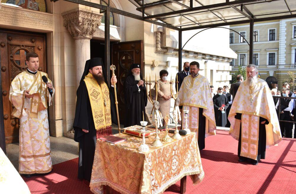 Noul an școlar a început prin rugăciune la Cluj-Napoca   Te Deum la Catedrala Mitropolitană