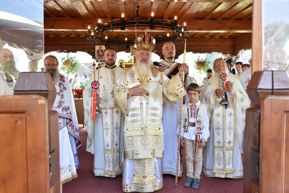 Hramul Mănăstirii Cășiel, sărbătorit în prezența Mitropolitului Andrei