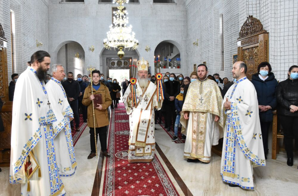 """Hramul bisericii de lemn """"Sfântul Apostol și Evanghelist Luca"""" de la Mănăstirea Dobric"""